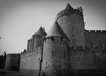 La cité médiévale de Carcassonne avec chauffeur